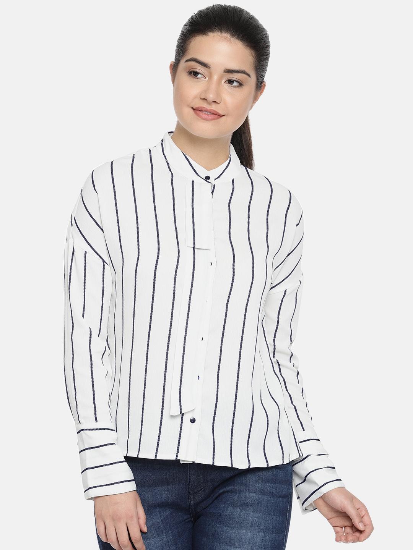 926500337c Buy Vero Moda Women White & Navy Blue Regular Fit Striped Casual ...