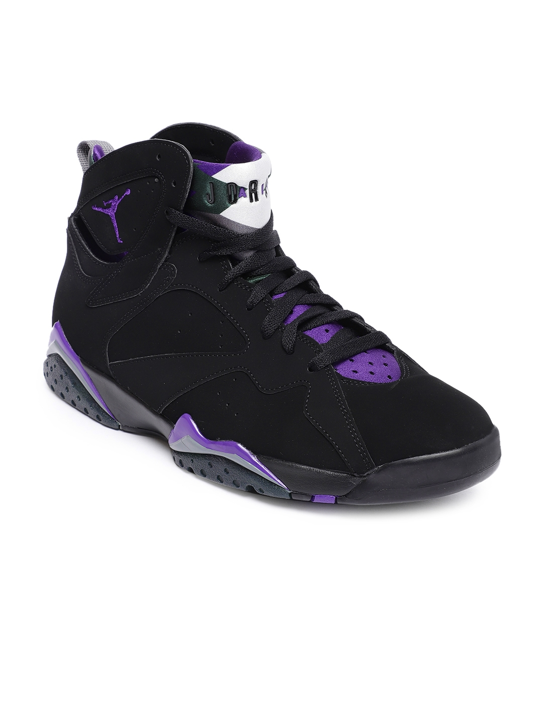 reputable site 91c02 54131 Nike Men Black   Purple AIR JORDAN 7 RETRO Mid-Top Basketball Shoes