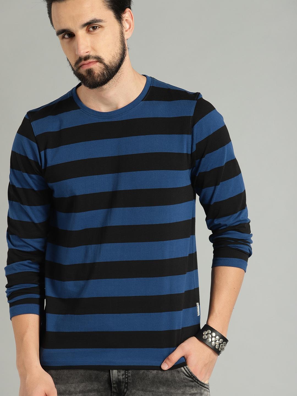 Roadster Men Navy Blue   Black Striped Round Neck T shirt