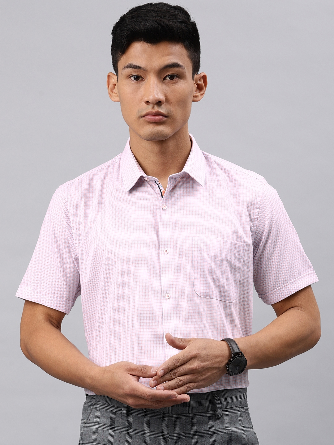 Peter England Casuals Men Pink   White Nuvo Regular Fit Checked Smart Casual Shirt