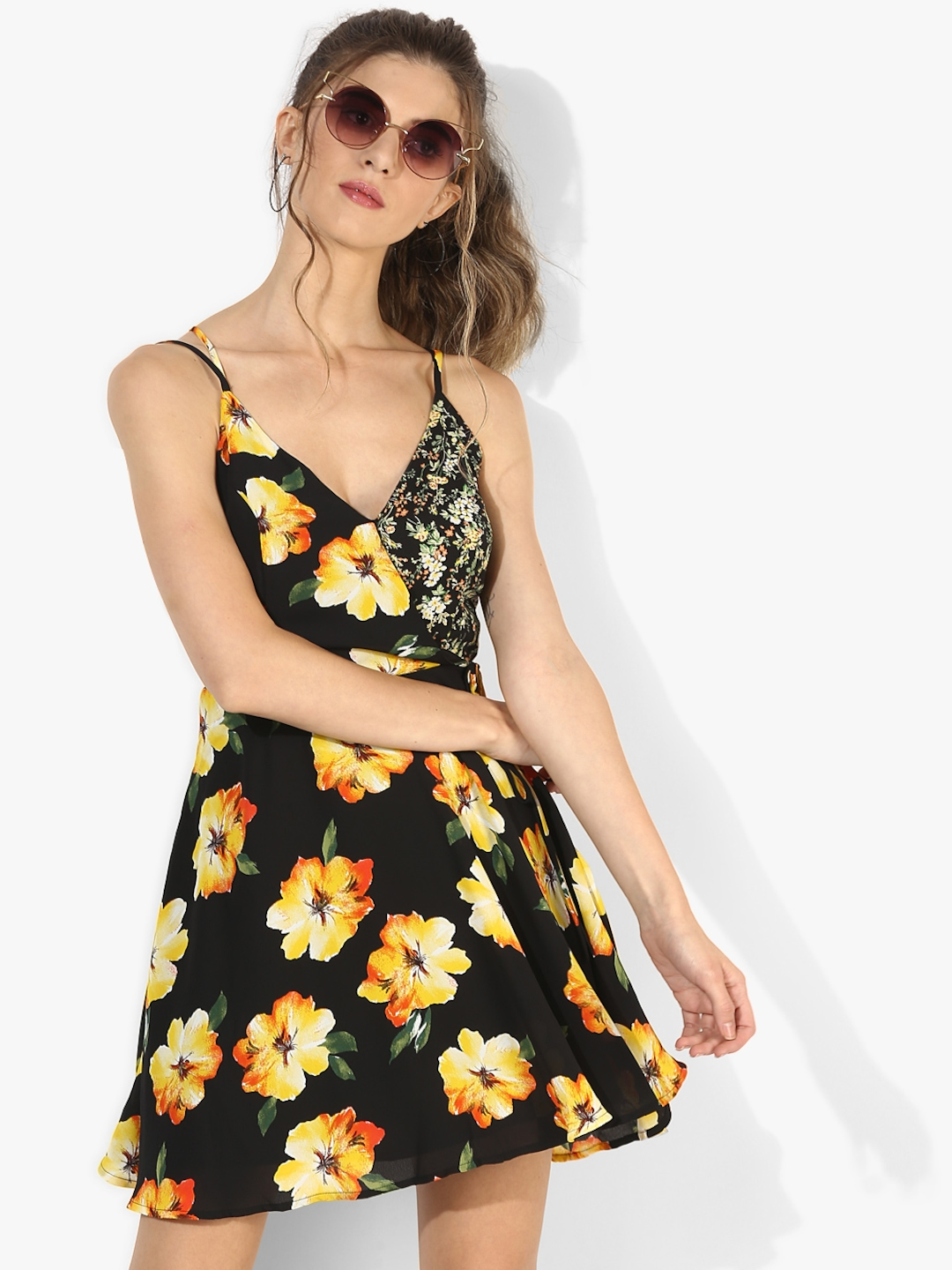 44729ef338e Buy FOREVER 21 Women Black Floral Printed Fit   Flare Dress ...