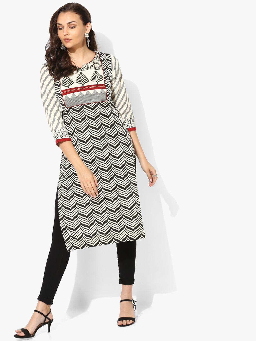 e7885a43180 Buy Printed Round Neck Straight Fit Kurta With 3 4Th Sleeves ...