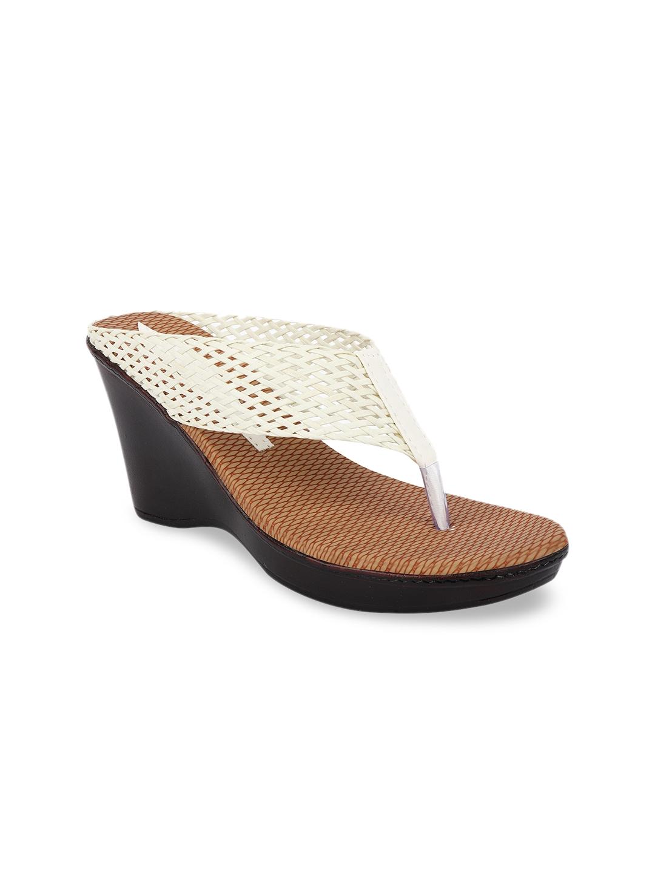 Shoetopia Women White Solid Heels