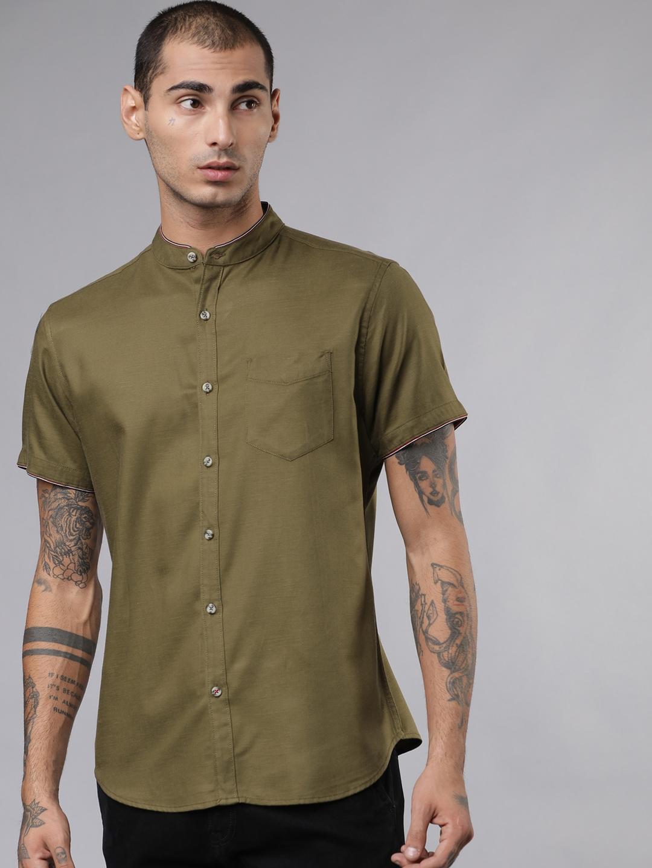 LOCOMOTIVE Men Olive Green Slim Fit Solid Casual Shirt