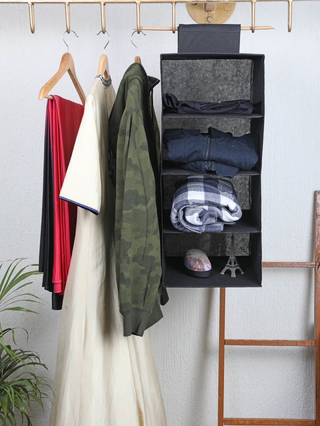 My Gift Booth Black Solid 4 Shelves Hanging Wardrobe Organiser