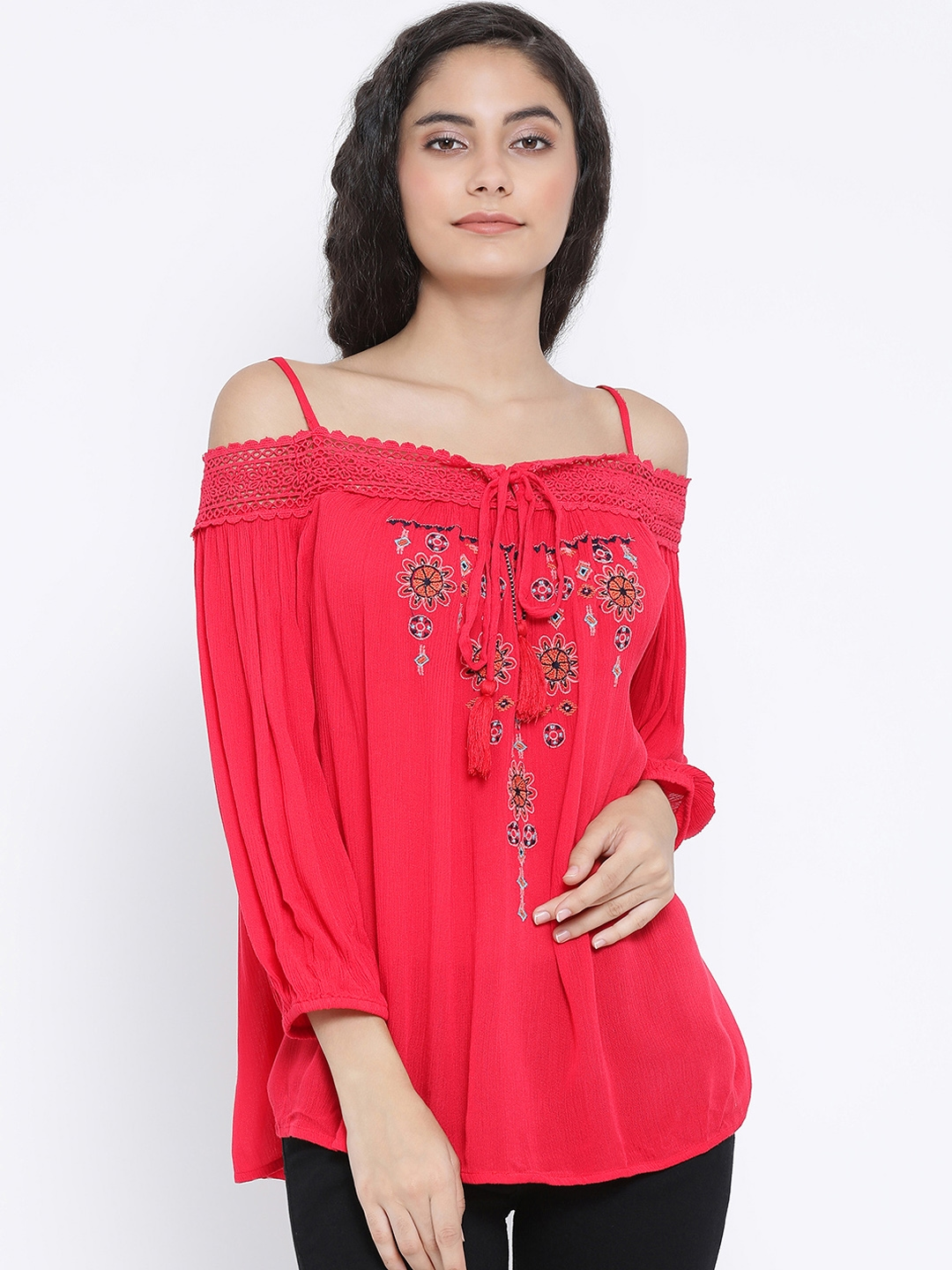 Oxolloxo Women Red Solid Embroidered Top