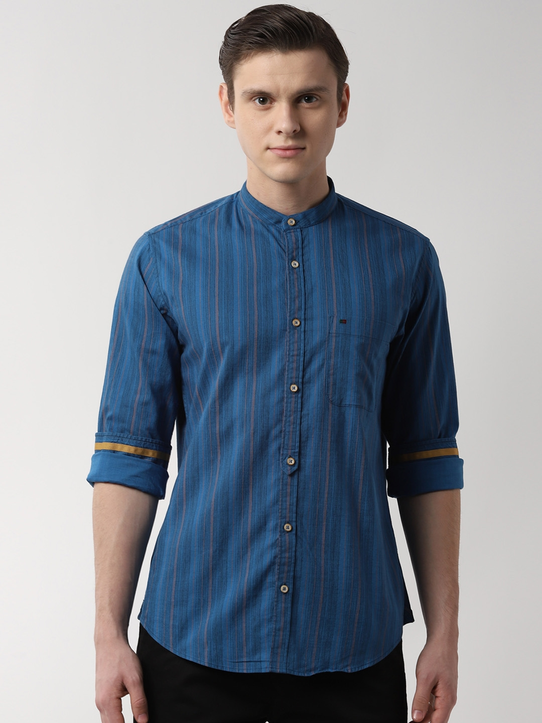 Peter England Casuals Men Blue Slim Fit Striped Casual Shirt