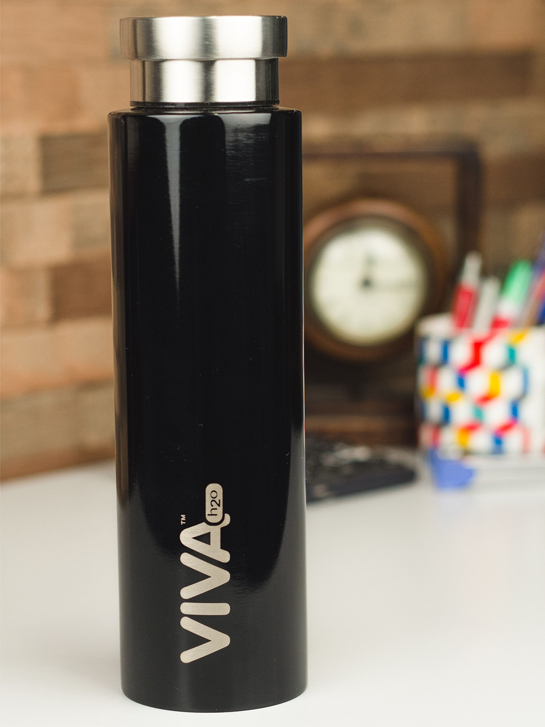 VIVA h2o Black Solid Stainless Steel Vaccum Insulated Water Bottle 800 ml
