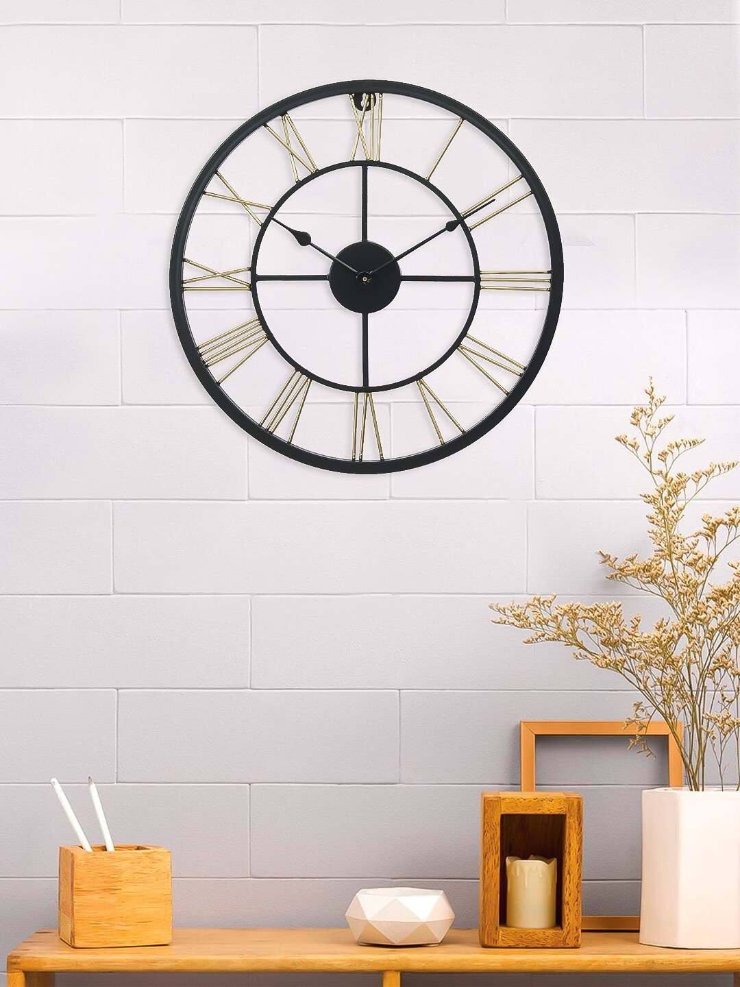 eCraftIndia Gold Toned   Black Handcrafted Round Solid 45 Cm Analogue Wall Clock