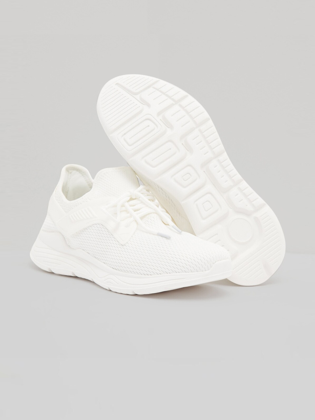 shoe express Men White Solid Running Sports Shoes