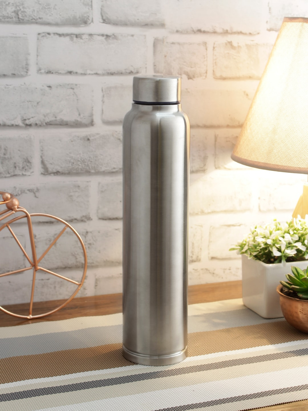 smart serve Set of 4 Silver Toned Solid Stainless Steel Water Bottles 1000 ml
