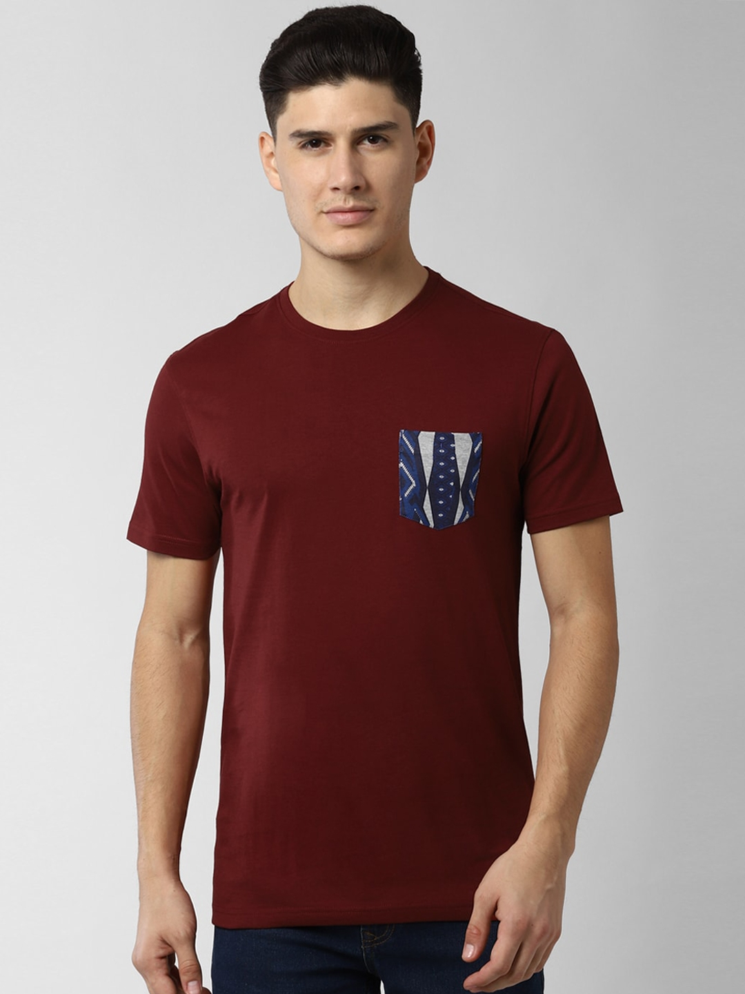 Peter England Casuals Men Maroon Solid Round Neck T shirt