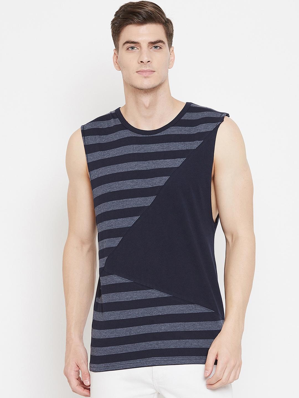 Hypernation Men Navy Blue Striped Round Neck T shirt
