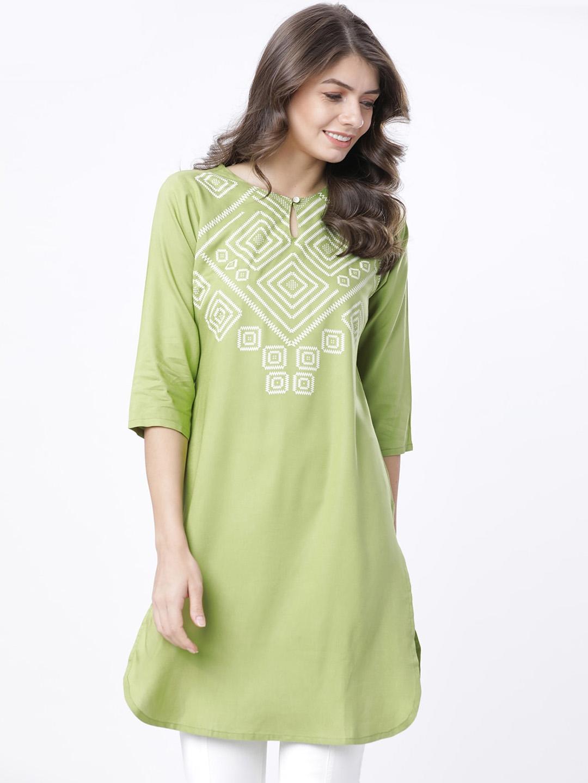 Vishudh Women Green Embroidered Tunics