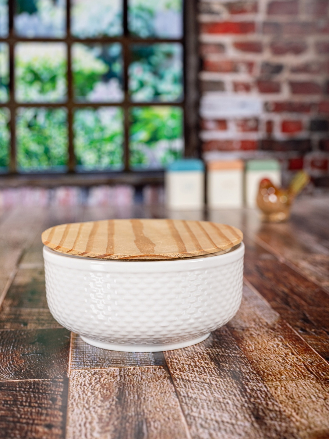 White Gold White   Brown Textured Porcelain Bowl With Wooden Lid