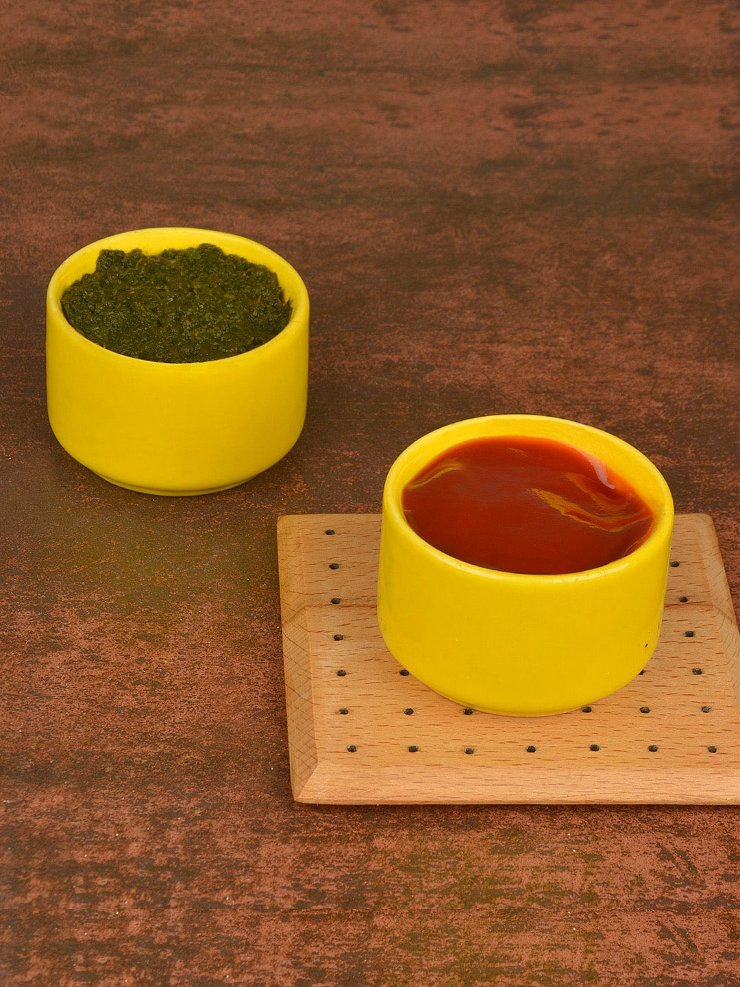 StyleMyWay Set Of 2 Yellow Solid Ceramic Dip Bowls