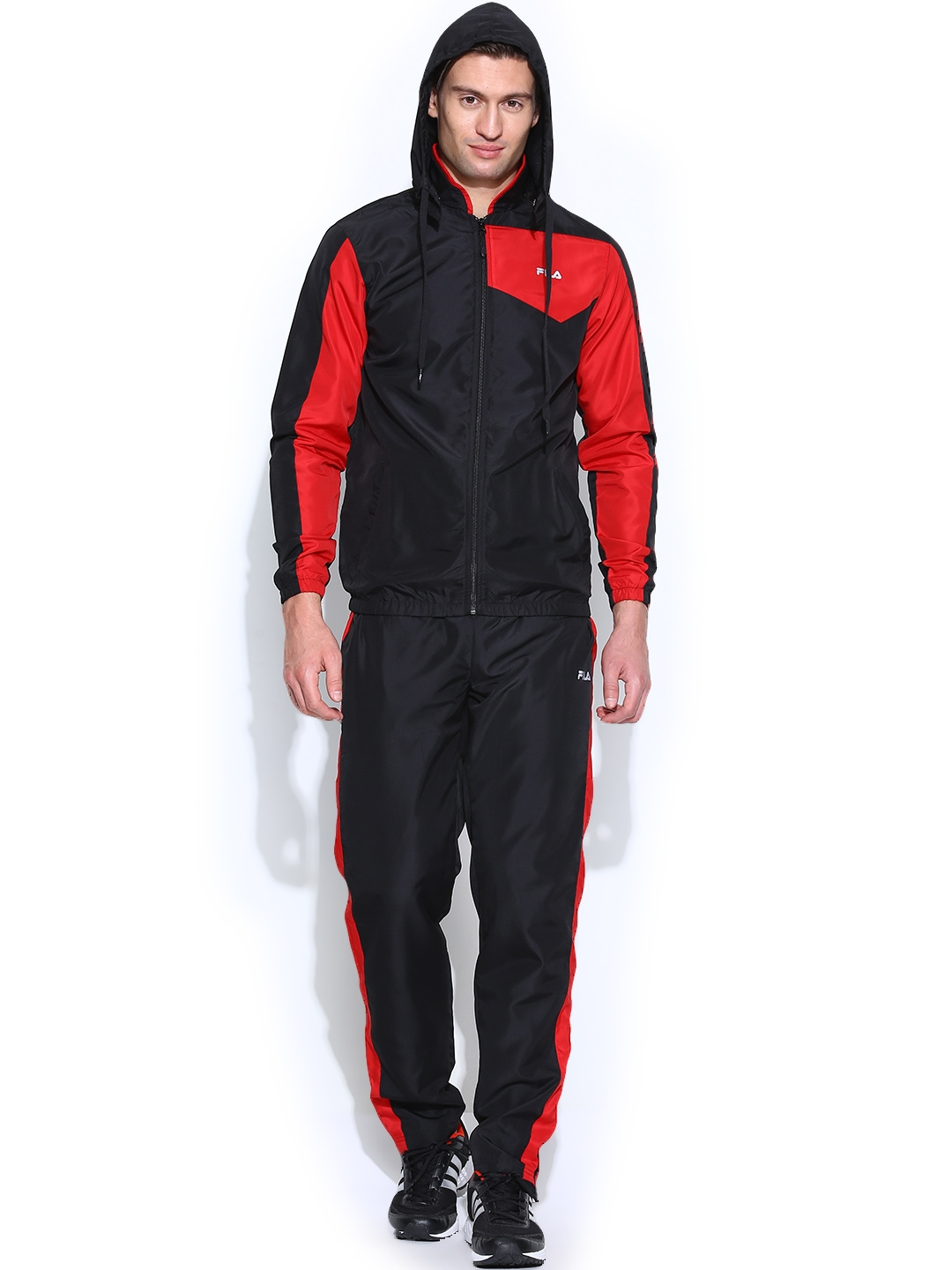 47950319a Buy FILA Men Black & Red Aranson Training Tracksuit With Detachable Hood -  Tracksuits for Men 718921 | Myntra