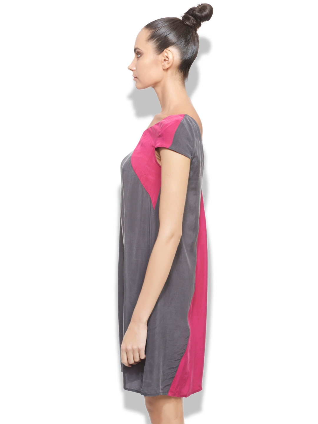 ff1f647e8221 Buy Sisley Grey & Pink Shift Dress - Dresses for Women 757119 | Myntra