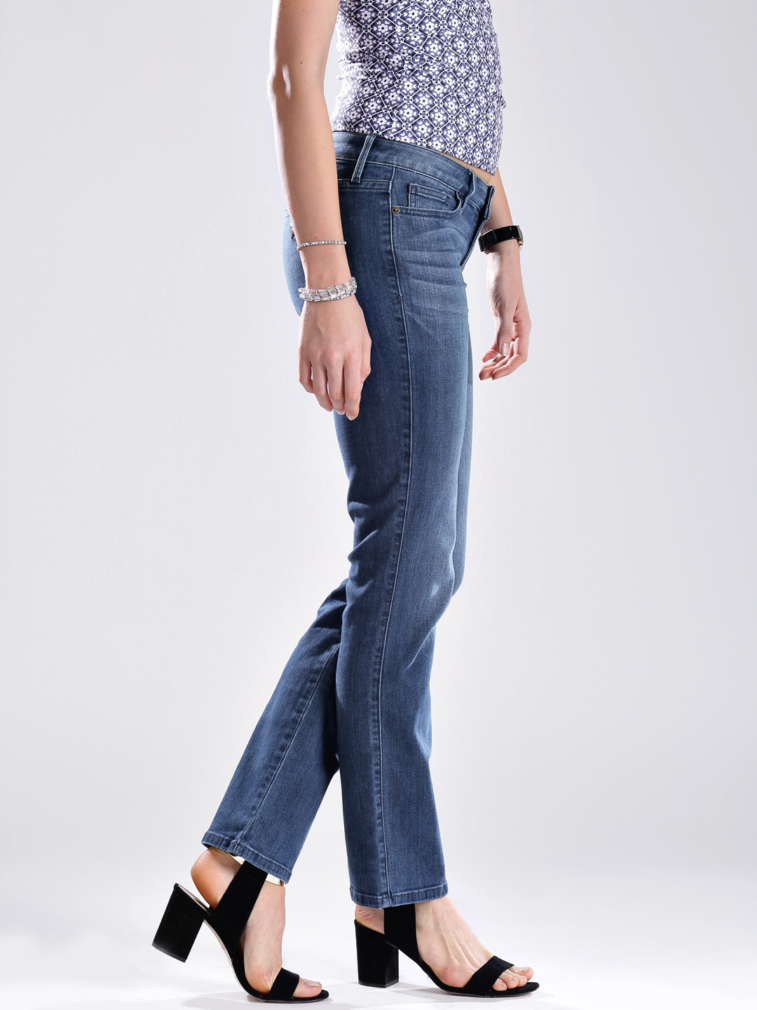 b49752169 Buy GUESS Blue Slim Fit Stretchable Jeans - Jeans for Women 886179 ...