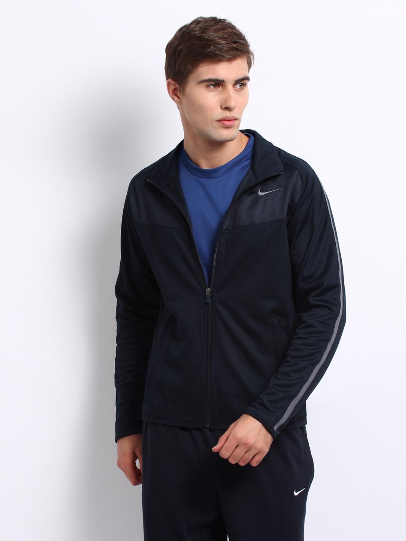 Nike epic jacket - Rs 1995