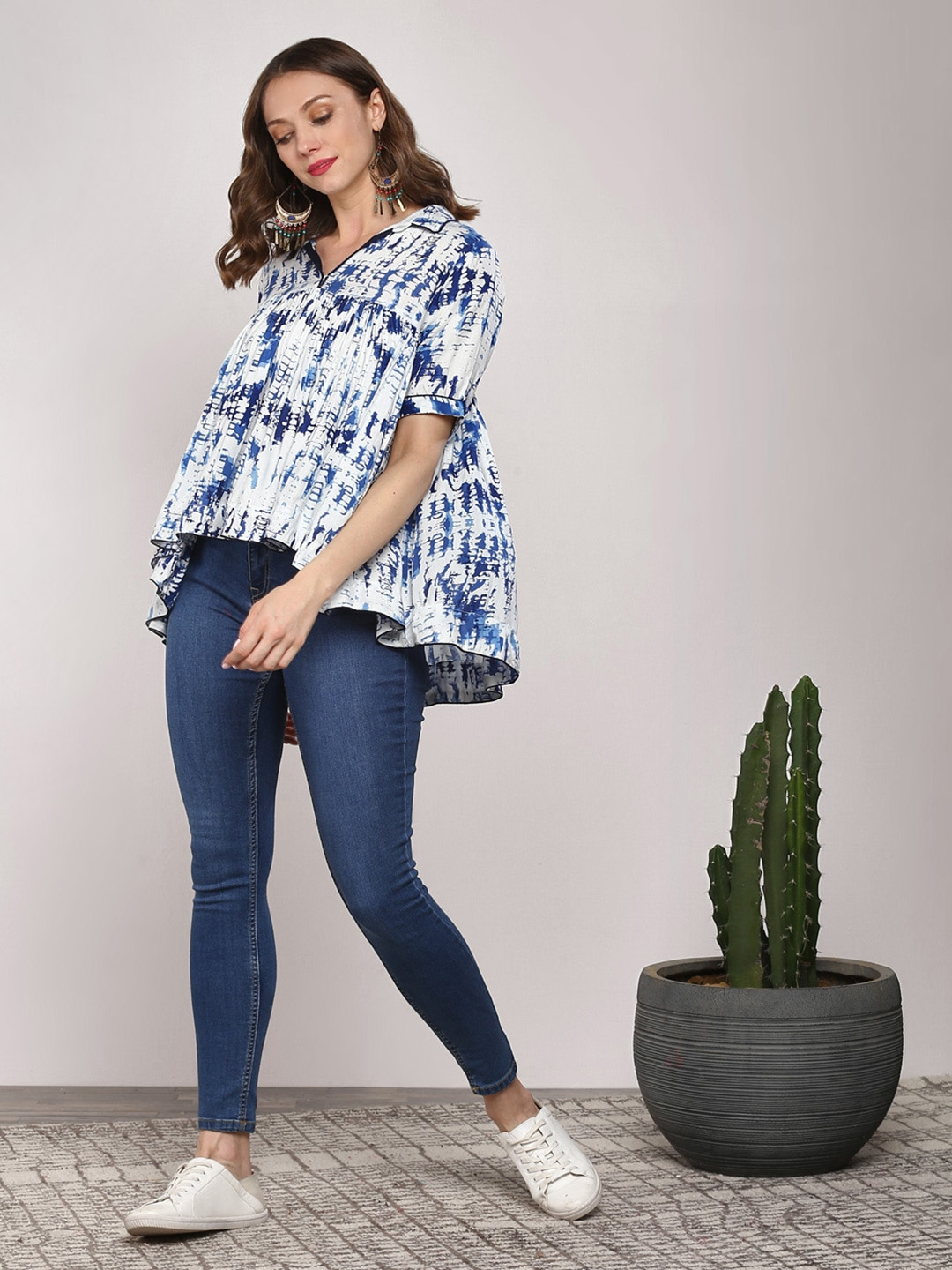 Sangria Women Navy Blue Tie-Dye Blouson Top