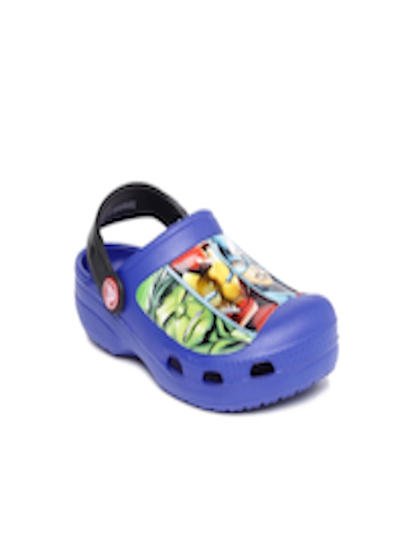 c8850fcc8fa4e Buy Crocs Boys Navy Marvel Avengers Clogs - Flip Flops for Boys 1668140 |  Myntra