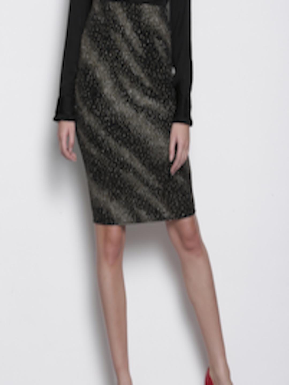1ec922e4dc Buy DOROTHY PERKINS Petite Black & Gold Toned Pencil Skirt - Skirts for  Women 2250652 | Myntra