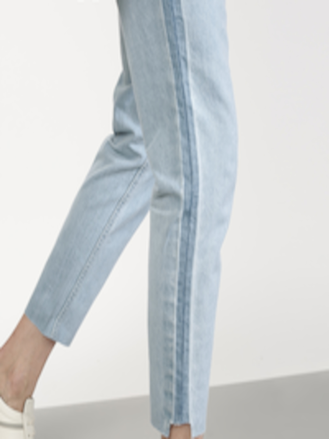 Buy Ether Men Blue Carrot Cropped Mid Rise Jeans With Side
