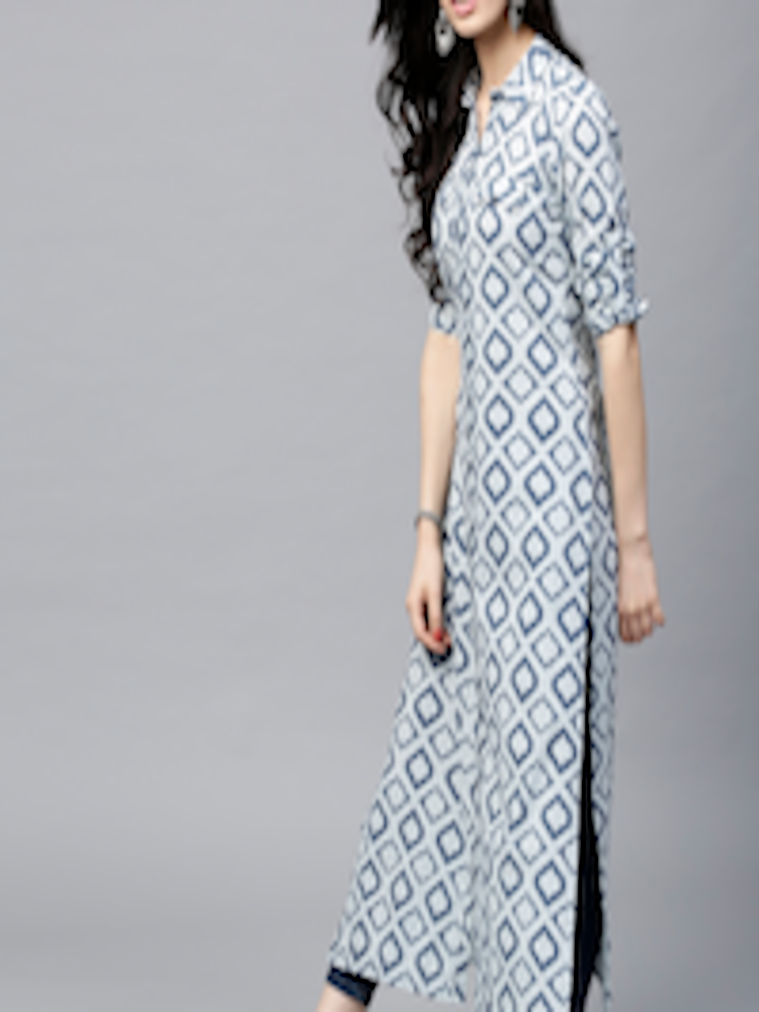 Women Navy & Off-White Printed Straight Kurta