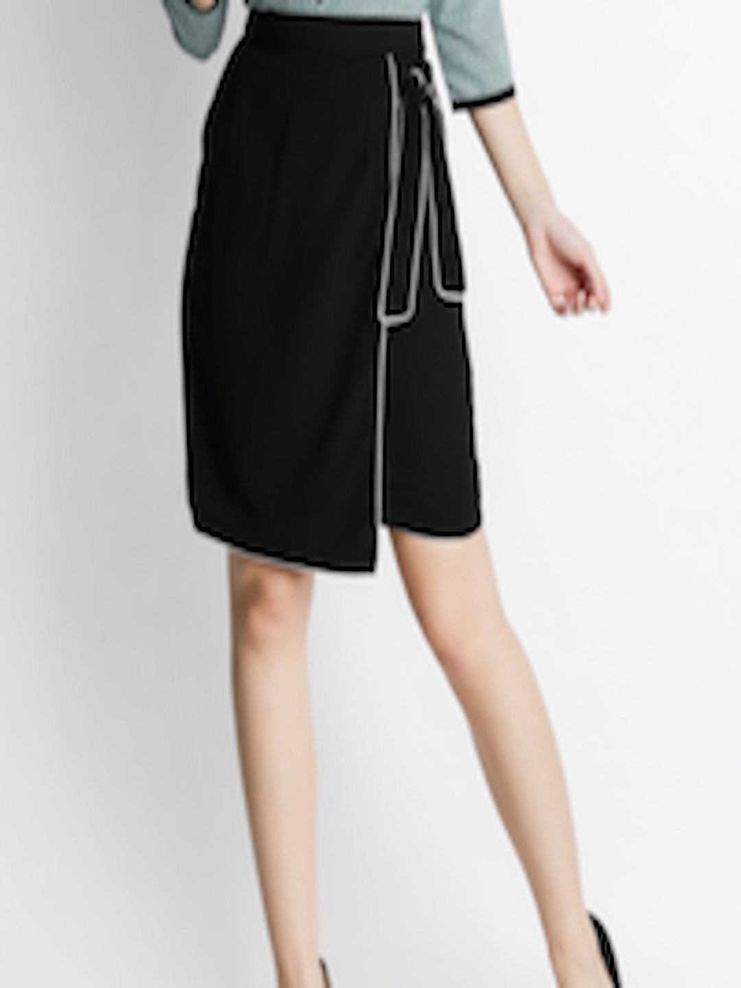 b8c1948184c3 Buy Annabelle By Pantaloons Black Solid Pencil Skirt - Skirts for Women  2518681 | Myntra