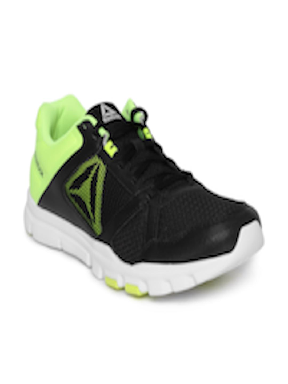 8fde924f70de73 Buy Reebok Men Black YOURFLEX TRAIN 10 MT Training Or Gym Shoes - Sports  Shoes for Men 6916941