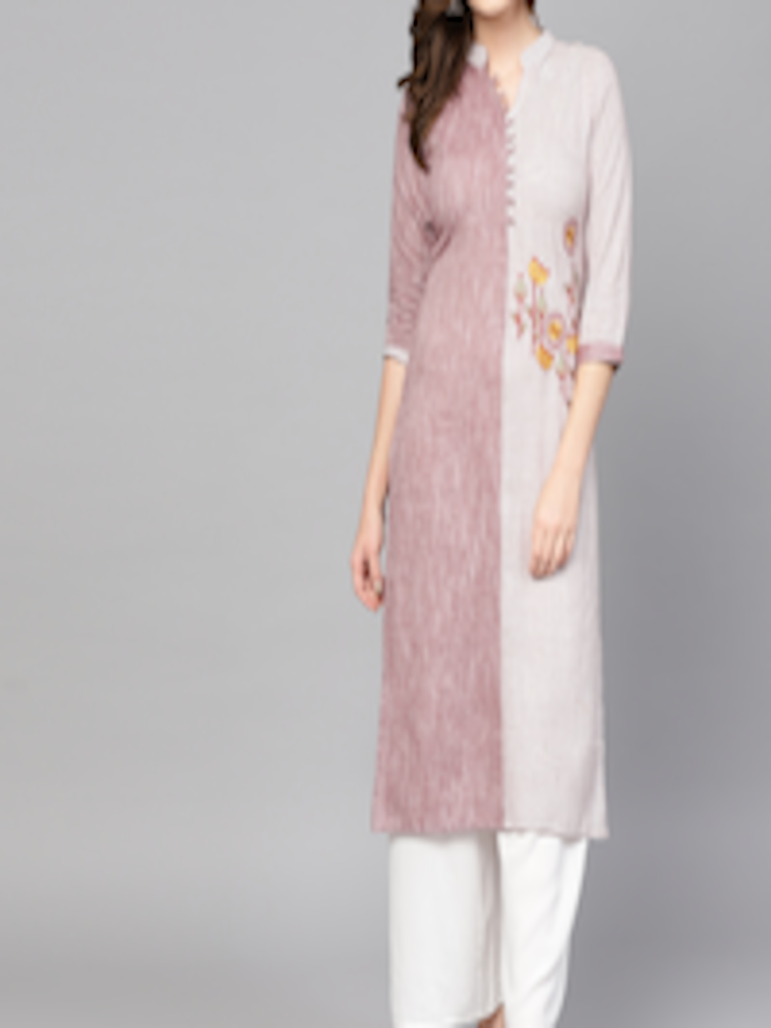 Women Off-White & Mauve Striped Straight Kurta