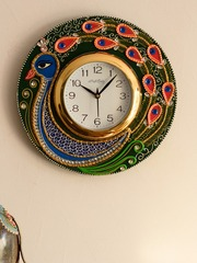 Ecraftindia White Dial Peacock 30 734 Cm Handcrafted Analogue Wall Clock