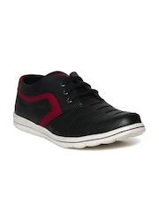 Duke Men Black Stitched Detail Sneakers