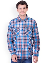 Oxolloxo Men Blue Classic Fit Checked Casual Shirt