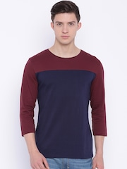 Blue Saint Men Maroon & Navy Colourblocked Slim Fit Round Neck T-shirt