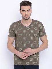 Breakbounce Men Olive Green Slim Fit Printed V-Neck T-shirt