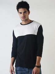 Blue Saint Men Black Colourblocked Round Neck T-shirt