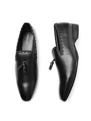 INVICTUS Men Black Semiformal Slip-Ons