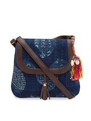 bags for women buy trendy women s bags online myntra