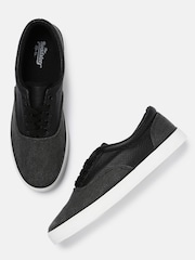 Roadster Men Black & Grey Sneakers