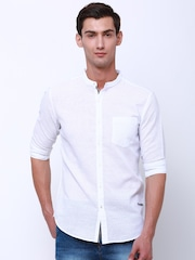 LOCOMOTIVE Men White Slim Fit Self Design Casual Shirt