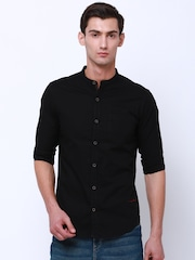 LOCOMOTIVE Men Black Slim Fit Solid Casual Shirt