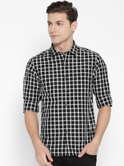 John Players Men Black & Off-White Trim Fit Checked Casual Shirt