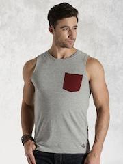 Roadster Men Grey Melange Vernon Slim Fit T-shirt