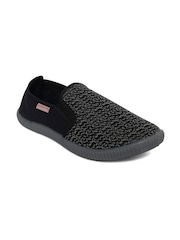 SCENTRA Men Grey Slip-On Sneakers