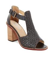 iLO Women Grey Woven Sandals
