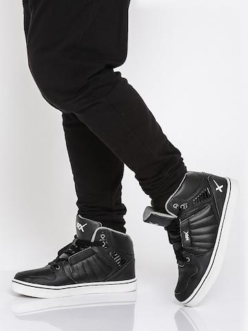 cac163b36 40% OFF on HRX by Hrithik Roshan Men Hoop Life Black Hoop Life Sneakers on  Myntra