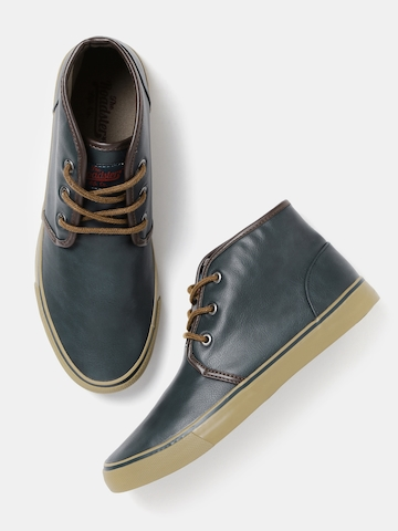 casual shoes for men myntra