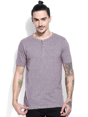 Campus Sutra Men Lavender Solid Henley Neck T-Shirt
